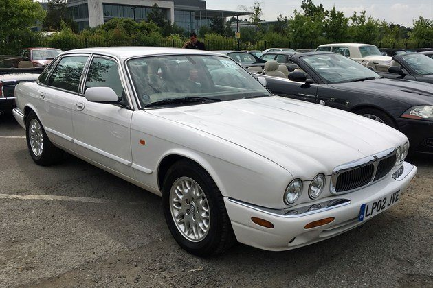 Jaguar XJ8 3.2 2002 Historics (1)