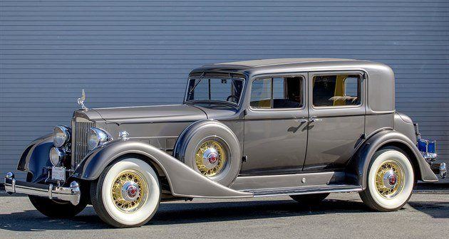 Packard 1107 V-12 Club Sedan 1934 Mecum