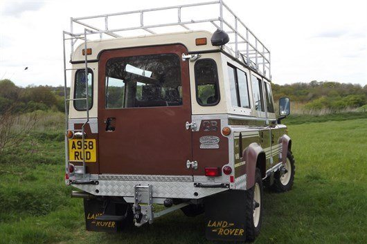 Land Rover 110 County Station Wagon (3)